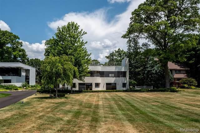 3751 Indian Trail, Orchard Lake Village, MI 48324 (#2200052917) :: GK Real Estate Team