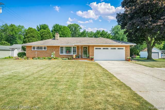 3250 W Water Street, Port Huron Twp, MI 48060 (#2200052927) :: GK Real Estate Team
