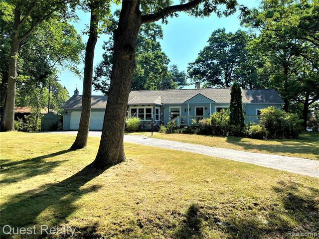 3340 Coventry Drive, Waterford Twp, MI 48329 (#2200053011) :: GK Real Estate Team