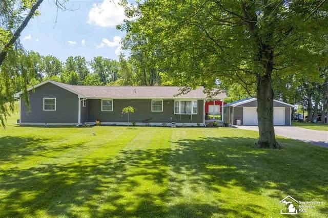 14141 Carroll Rd, Deerfield Twp, MI 49228 (#57050016952) :: The Alex Nugent Team | Real Estate One