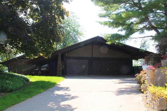 7601 Parkwood Drive, Tyrone Twp, MI 48430 (#2200053222) :: GK Real Estate Team