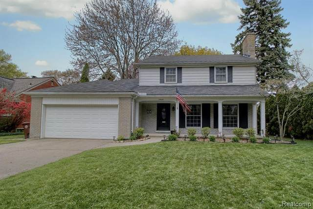 19983 E Doyle Place, Grosse Pointe Woods, MI 48236 (MLS #2200053235) :: The John Wentworth Group