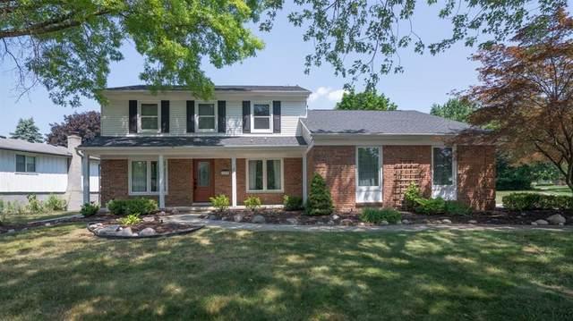 36330 Parklane Circle, Farmington Hills, MI 48335 (#543274714) :: BestMichiganHouses.com