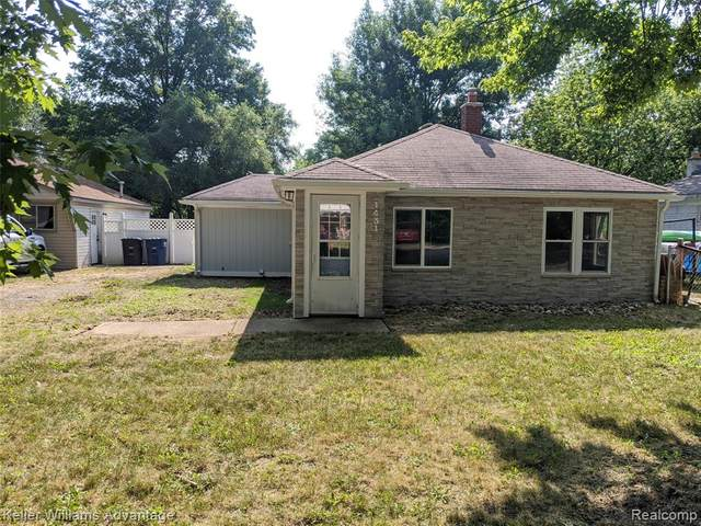 1431 S Linville Avenue, Westland, MI 48186 (#2200053323) :: RE/MAX Nexus