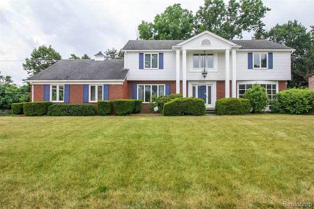 35925 Johnstown Road, Farmington Hills, MI 48335 (#2200053337) :: RE/MAX Nexus