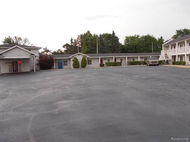 405 W Sanilac Road W, Sandusky, MI 48471 (MLS #2200053379) :: The John Wentworth Group