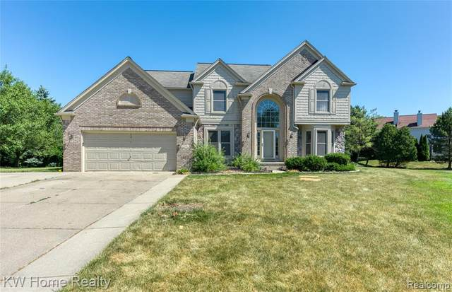 5366 Midchester Court, West Bloomfield Twp, MI 48324 (#2200053397) :: Alan Brown Group