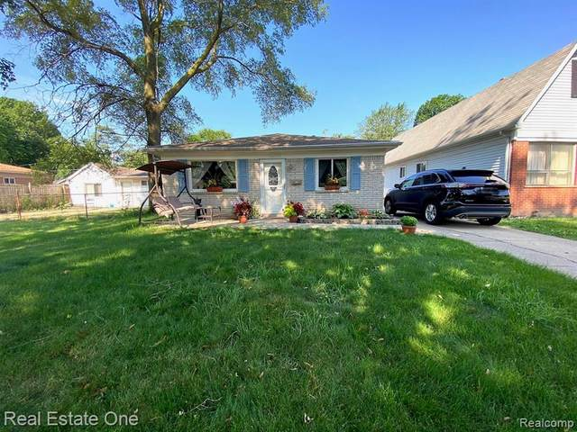 4114 Weddell Street, Dearborn Heights, MI 48125 (#2200053414) :: Duneske Real Estate Advisors