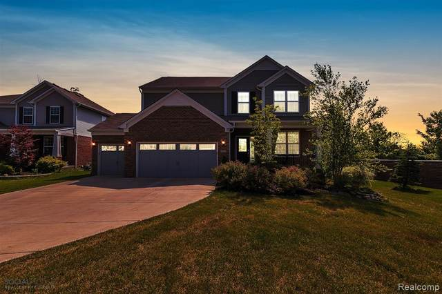 5728 Branch Court, Canton Twp, MI 48187 (#2200053428) :: Duneske Real Estate Advisors