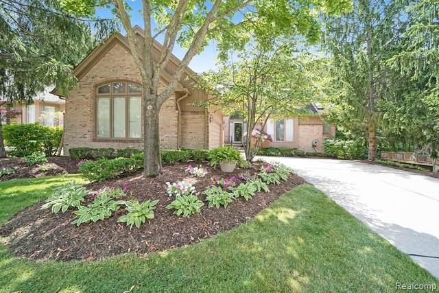 28810 Hidden Trail, Farmington Hills, MI 48331 (#2200053563) :: Duneske Real Estate Advisors