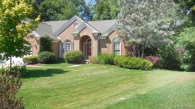2270 Pine Harbor Lane, Orion Twp, MI 48360 (#2200053803) :: GK Real Estate Team