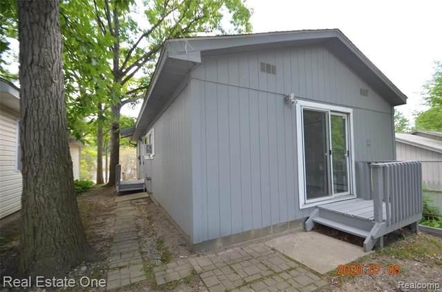 732 Conklin Road, Orion Twp, MI 48362 (#2200053838) :: GK Real Estate Team