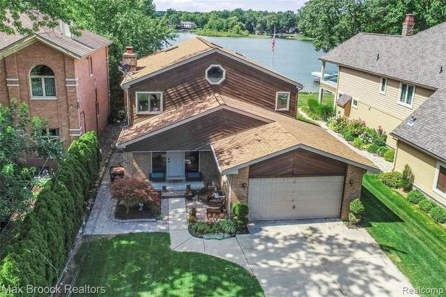3400 Edgewood Park Drive, Commerce Twp, MI 48382 (#2200053845) :: Novak & Associates
