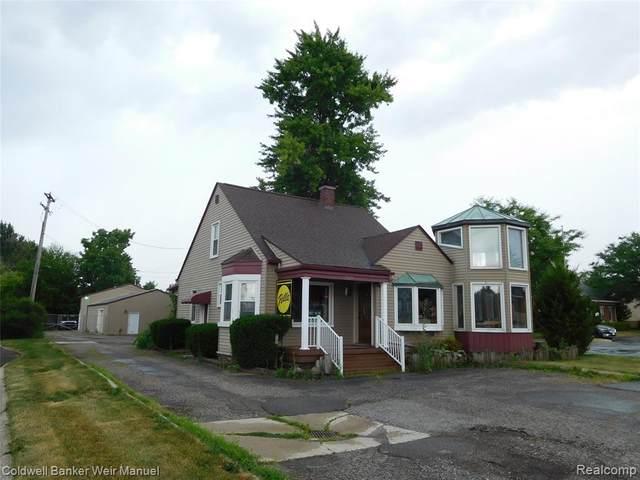 3829 West Road, Trenton, MI 48183 (#2200053939) :: Robert E Smith Realty