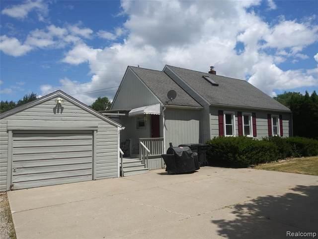 1585 Baldwin Avenue, Pontiac, MI 48340 (#2200054033) :: Novak & Associates