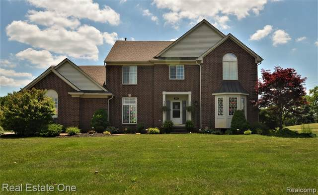 5065 Ashford Road, Independence Twp, MI 48348 (#2200054081) :: The Mulvihill Group