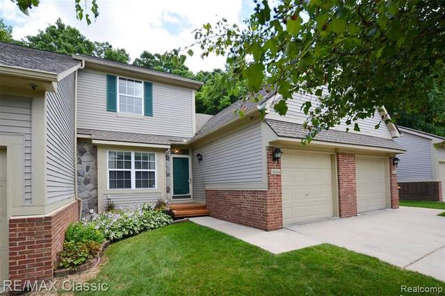 31114 Centennial Drive, Novi, MI 48377 (#2200054334) :: Duneske Real Estate Advisors