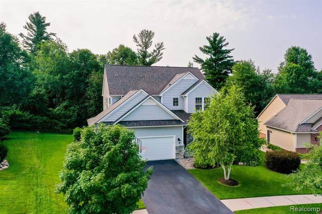 808 Snyder Street, Oxford Twp, MI 48371 (#2200054341) :: The Mulvihill Group