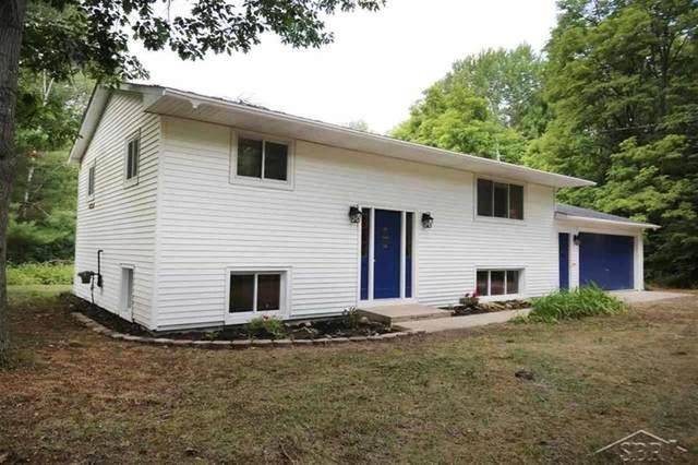 5333 N Water Road, Edenville Twp, MI 48657 (#61050017362) :: GK Real Estate Team