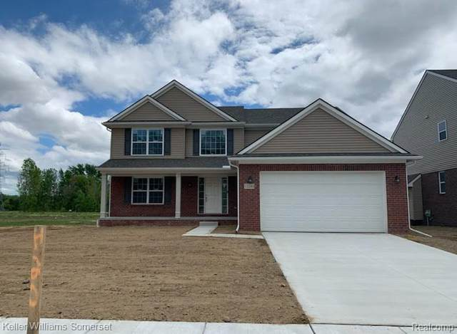 12240 Lincolnshire, Sterling Heights, MI 48312 (#2200054704) :: The Mulvihill Group