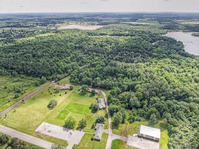 10401 N Fenton Road, Mundy Twp, MI 48430 (MLS #2200055187) :: The John Wentworth Group