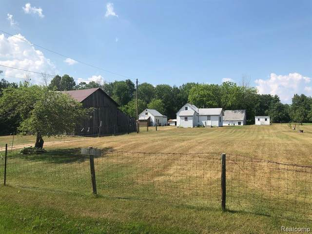 2523 E Pinconning Road, Pinconning Twp, MI 48650 (#2200055405) :: The Alex Nugent Team | Real Estate One