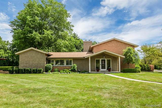 600 Middlesex Rd Road, Grosse Pointe Park, MI 48230 (MLS #2200055754) :: The John Wentworth Group