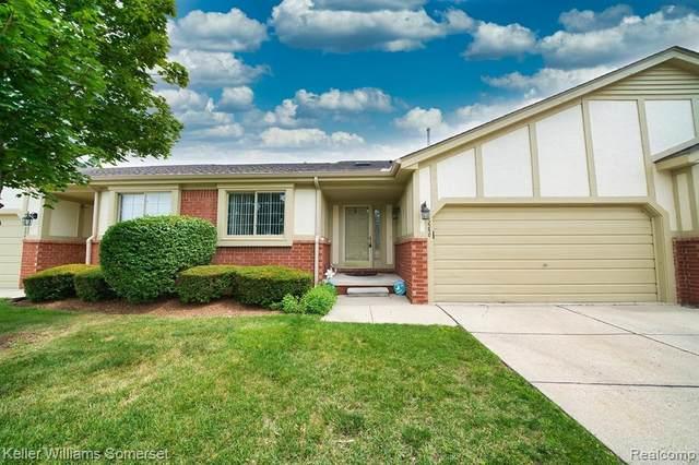 42250 Brookview Lane, Clinton Twp, MI 48038 (#2200056941) :: Duneske Real Estate Advisors