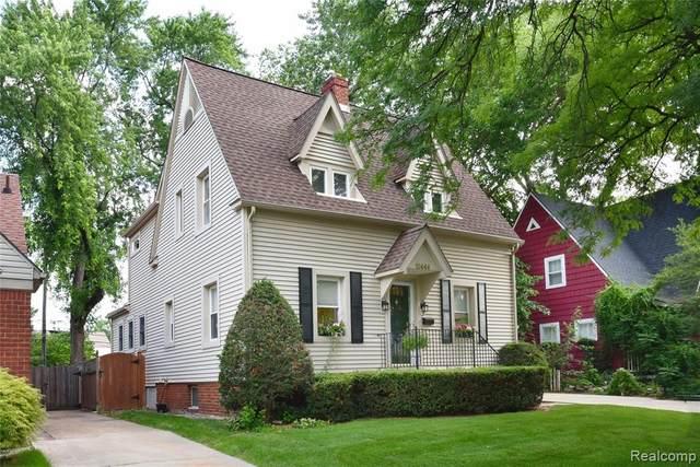 10444 Borgman Avenue, Huntington Woods, MI 48070 (#2200057001) :: Keller Williams West Bloomfield