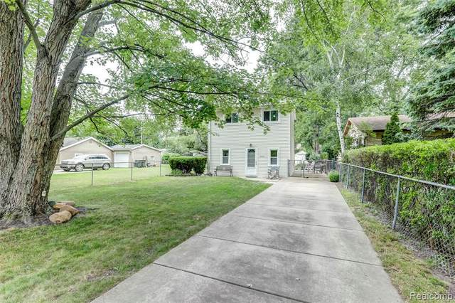 3056 Melvin Avenue, Rochester Hills, MI 48307 (#2200057335) :: The Alex Nugent Team | Real Estate One