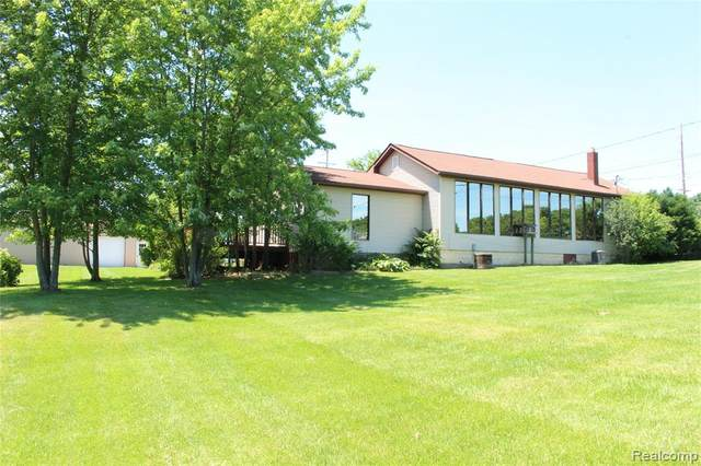 3008 Grange Hall Road, Holly Twp, MI 48442 (#2200057666) :: Keller Williams West Bloomfield