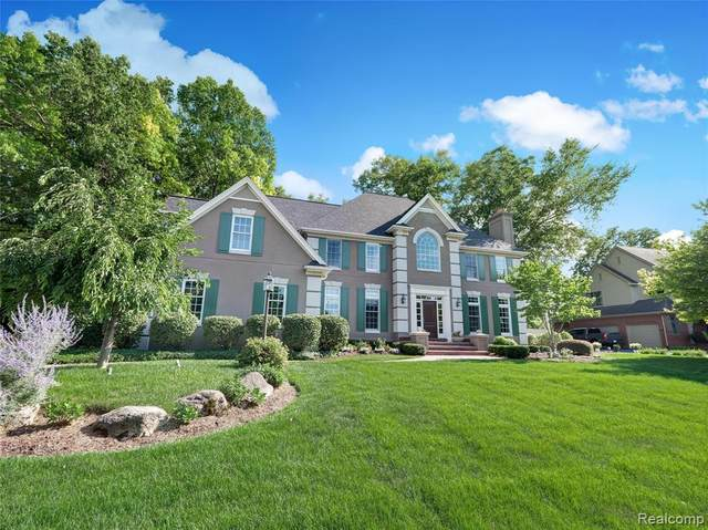 18632 Fox Hollow Court, Northville Twp, MI 48168 (#2200057678) :: BestMichiganHouses.com