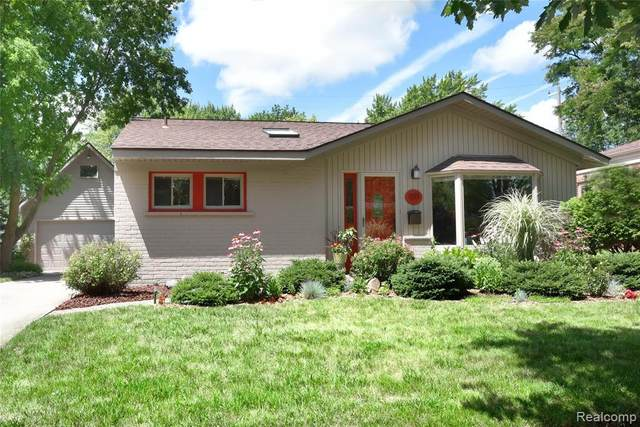 1377 Maple Drive, Rochester, MI 48307 (#2200058257) :: The Alex Nugent Team | Real Estate One