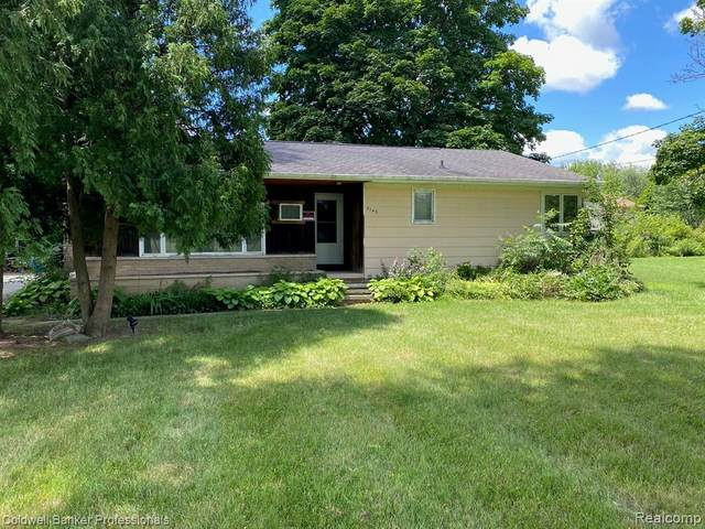 5145 Deland Road, Flushing Twp, MI 48433 (#2200058625) :: Novak & Associates
