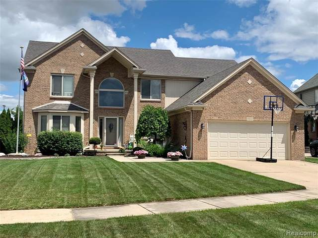 19043 Sandhurst, Clinton Twp, MI 48038 (#2200058832) :: Novak & Associates