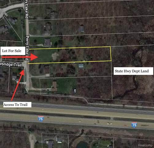 0000 Perry Lake Road, Independence Twp, MI 48348 (MLS #2200058882) :: The John Wentworth Group