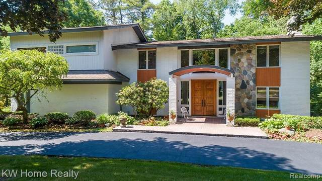 28493 S Harwich Drive, Farmington Hills, MI 48334 (#2200059094) :: Keller Williams West Bloomfield
