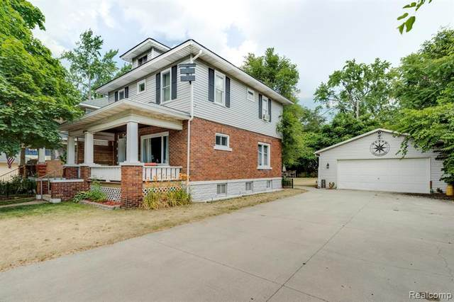 1616 17TH Street, Port Huron, MI 48060 (#2200059208) :: Novak & Associates