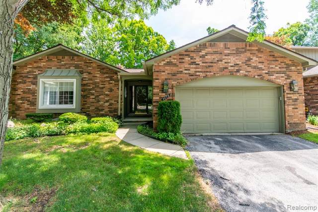 4073 Justin Court, Bloomfield Twp, MI 48302 (#2200059237) :: Duneske Real Estate Advisors