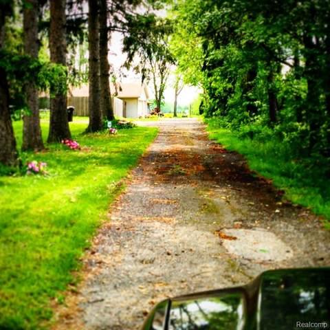 1089 W Auburn Road, Rochester Hills, MI 48309 (#2200059310) :: Novak & Associates
