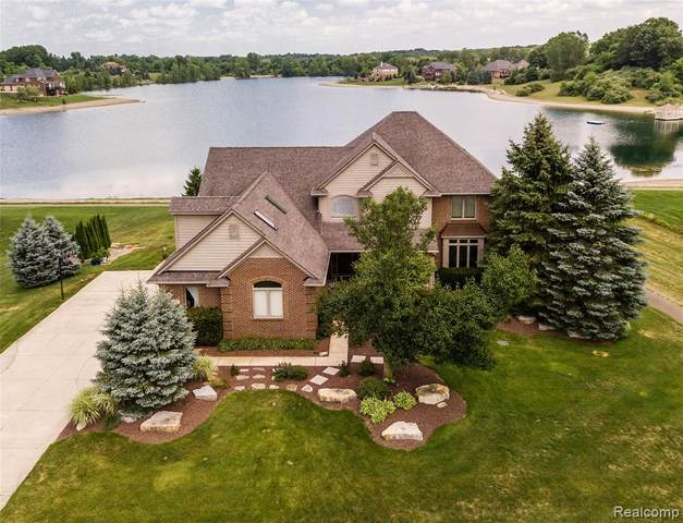 1801 Kriss Crossing Road, Brighton Twp, MI 48114 (#2200059733) :: The Merrie Johnson Team