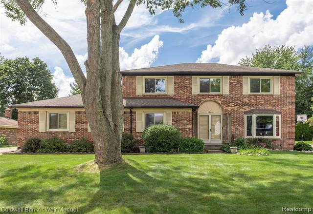 1701 Chatham Drive, Troy, MI 48084 (#2200059821) :: The Alex Nugent Team | Real Estate One