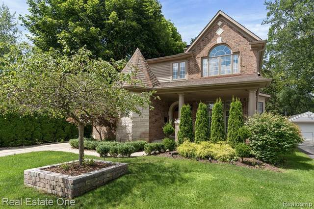 111 N Helen Avenue, Rochester, MI 48307 (#2200059884) :: The Alex Nugent Team | Real Estate One