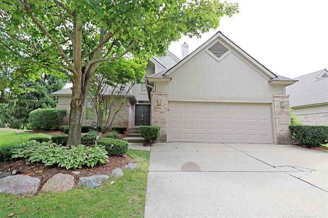 38303 Golfview, Farmington Hills, MI 48331 (#58050018983) :: The Mulvihill Group