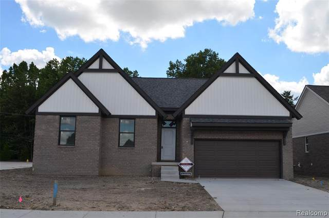 47467 Bayside Circle West, Chesterfield Twp, MI 48047 (MLS #2200060268) :: The John Wentworth Group