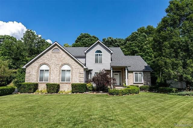 21090 Greenbriar Lane, Lyon Twp, MI 48178 (MLS #2200060284) :: The Toth Team