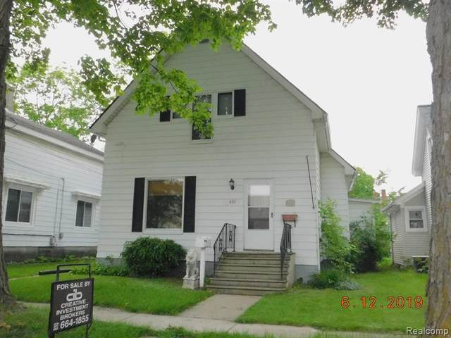 439 N Monroe Street, Lapeer, MI 48446 (#2200060325) :: Robert E Smith Realty