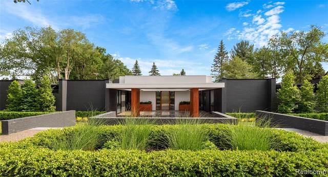 3467 Sutton Pl, Bloomfield Twp, MI 48301 (#2200060420) :: The Alex Nugent Team | Real Estate One