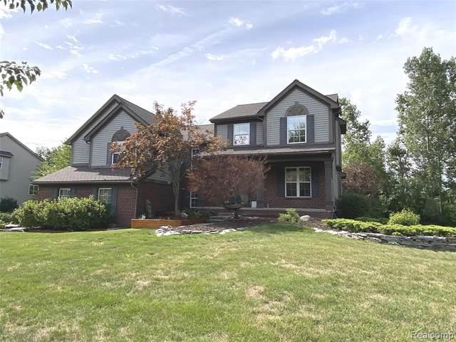 42719 Pond Ridge Lane, Van Buren Twp, MI 48111 (#2200060424) :: Novak & Associates