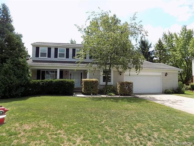 710 Abbey Court, Rochester Hills, MI 48307 (#2200060799) :: The Alex Nugent Team | Real Estate One